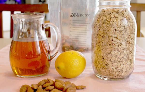 honey almond scrub ingredients