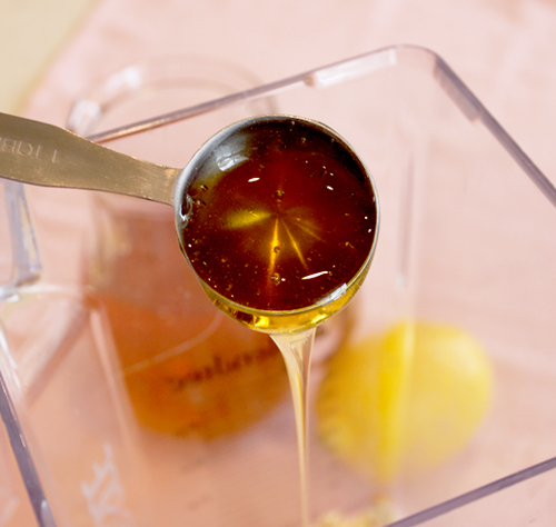 honey for face scrub