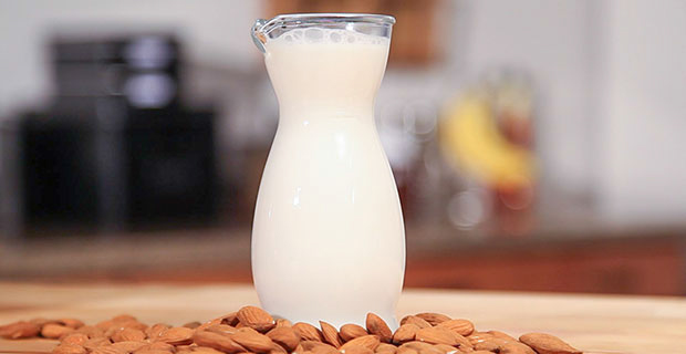 Almond Milk blender recipe