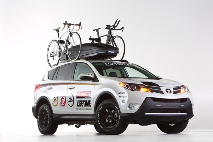 Toyota Rav4 for Triatholon team