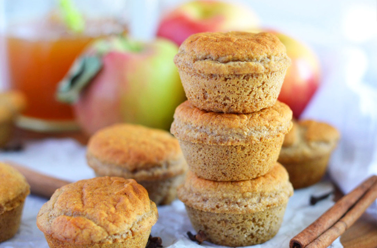 Healthy Apple Cider Donut Muffins